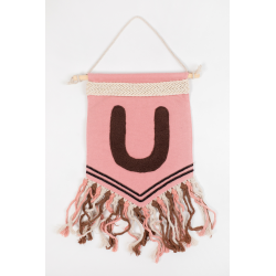 Pennant with letter/ pink